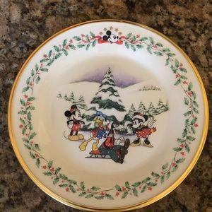 Mickey & Minnie Lenox Christmas plate